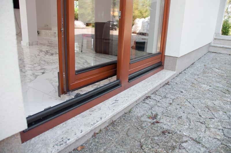 posuvné balkonové dveře patio